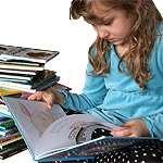 Barn som läser. Foto: Carin Carlsson.