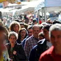 En folksamling. Foto: carrcarr, stock.xchng