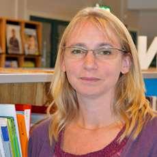 Eva Akne, bibliotekarie vid Infoteket om funktionshinder.