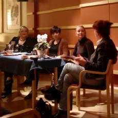 Författarpanel med Dorothee Elmiger och Katrina Kalda.