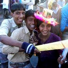 Människor som firar Muharram in Jaipur i Indien.
