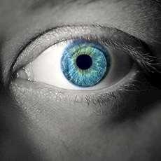 Ett blått öga. Foto: Michael Loos, stock.xchng