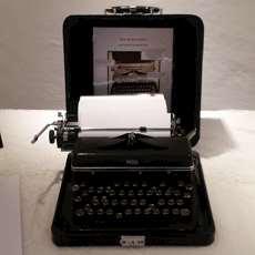 En gammal skrivmaskin.