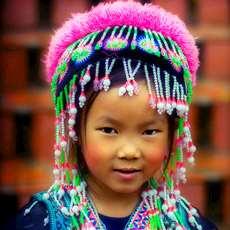Liten thailändska flicka.