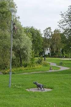 Skulpturslinga i Heby med skulpturer av Hebykonstnären Sonja Pettersson