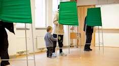 Vallokal med röstbås