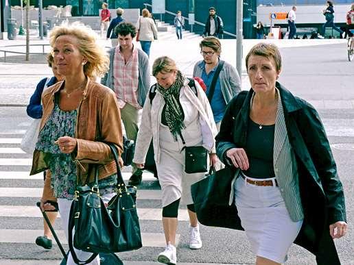Människor i rörelse i Uppsala.